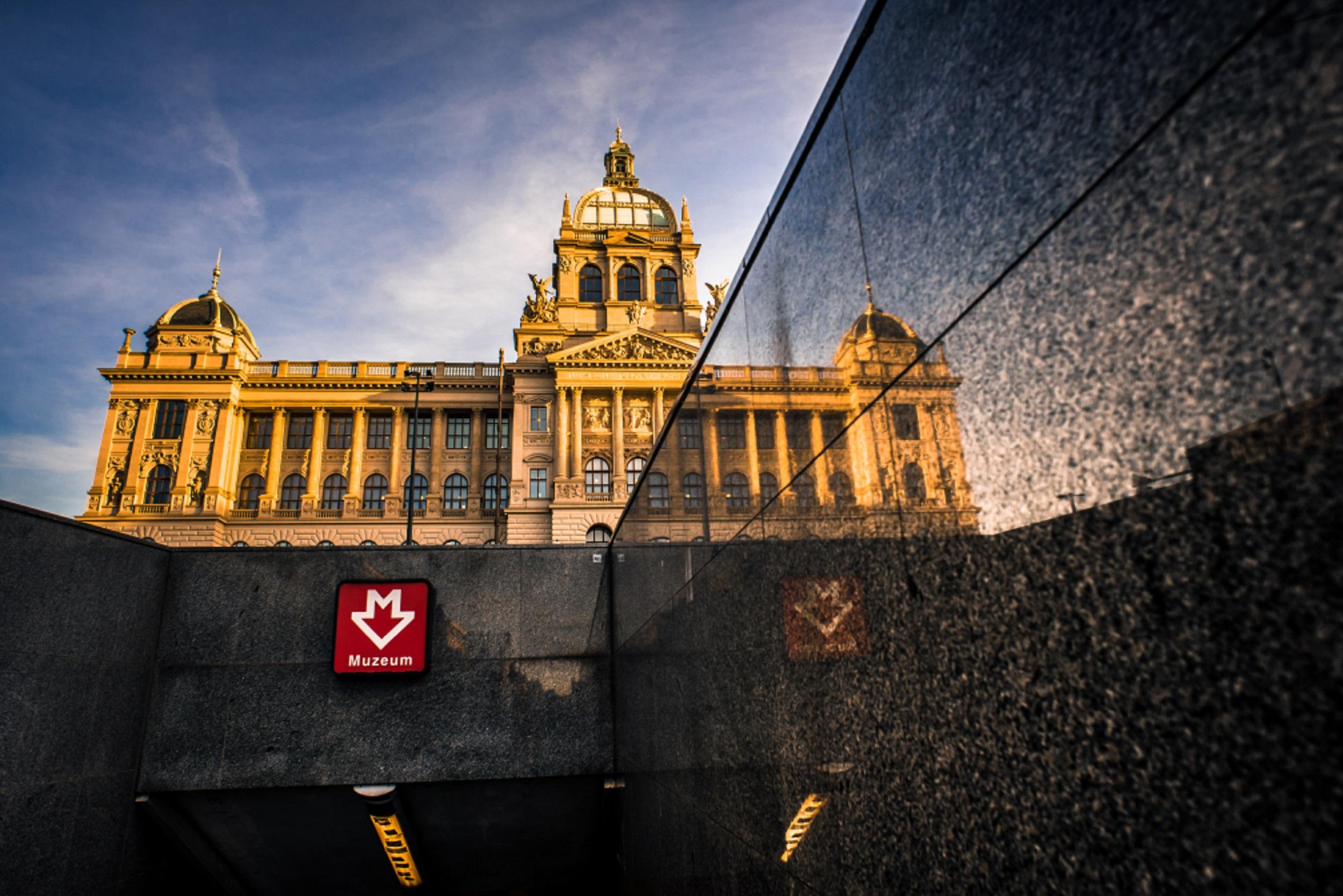 Startuje jedenáctý ročník fotografické soutěže Dvě tváře Prahy. Objektivy Pražanů se tento rok opět zaměří na Václavák a Příkopy!