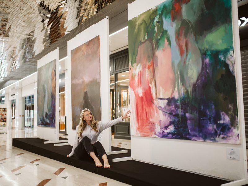 Centrum Prahy ožije už po čtvrté VáclavARTem! Sochařskou výstavu pod širým nebem doplní letos poprvé obrazy mladých malířek.