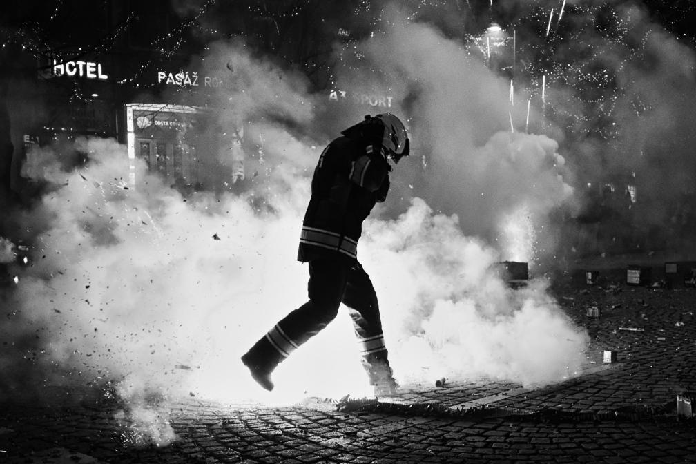 Dáma v nesnázích, Batman nebo Siluety. Pod koněm proběhlo předávání cen vítězům fotografické soutěže Dvě tváře Prahy 2020!